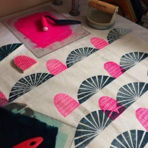 67758bdab6602bdb513256930f332efd--fabric-printing-hand-printed-fabric